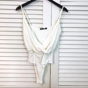 Boohoo Night wrap front bodysuit off white EUC